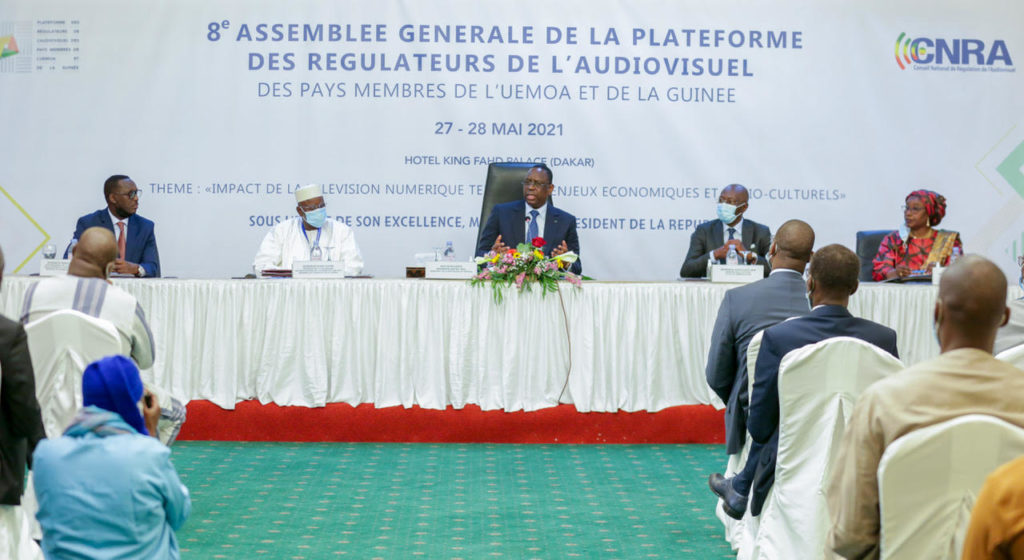 Le Président Macky Sall appelle à une régulation et un assainissement de la presse