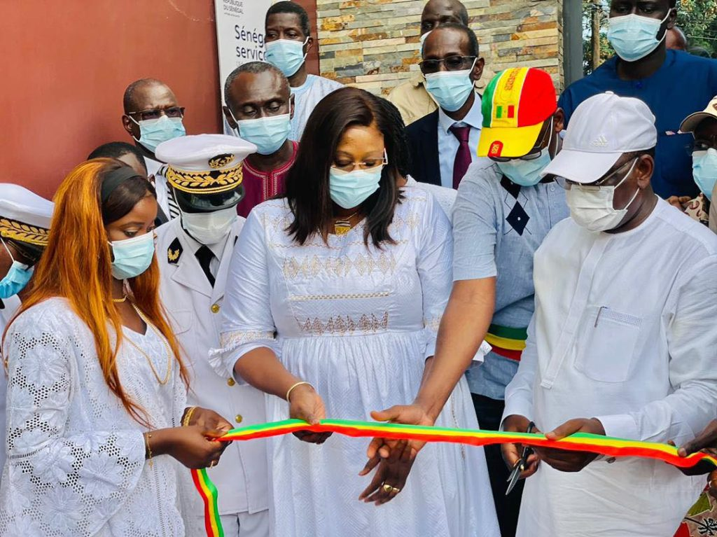 Macky Sall  inaugure l'espace «Sénégal Services» de Thiès