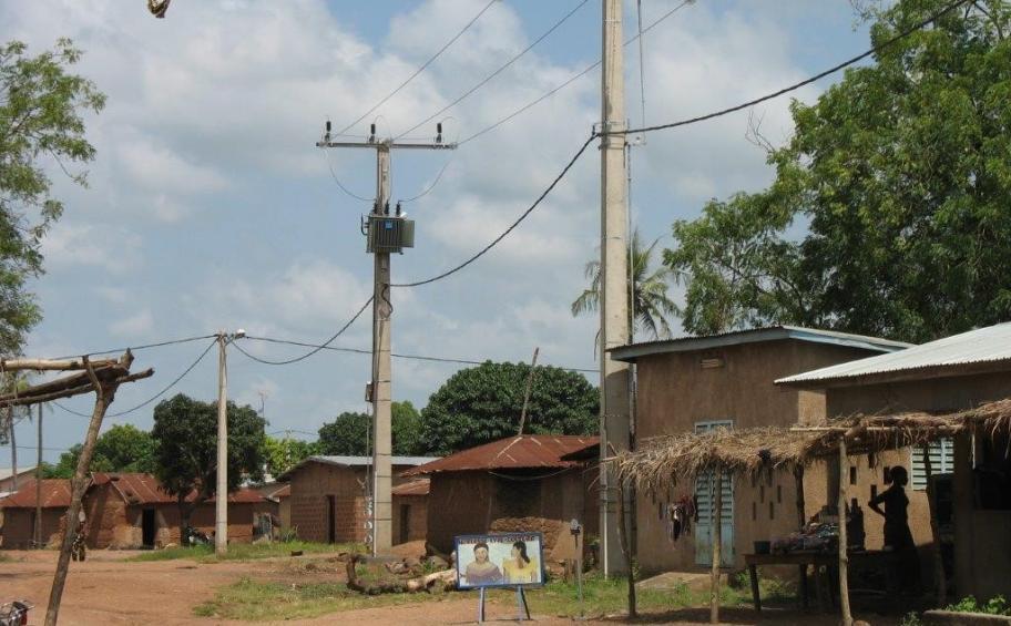 Bénin: La Banque mondiale  approuve un financement de 200 millions de dollars pour connecter 150 000 ménages à l'électricité