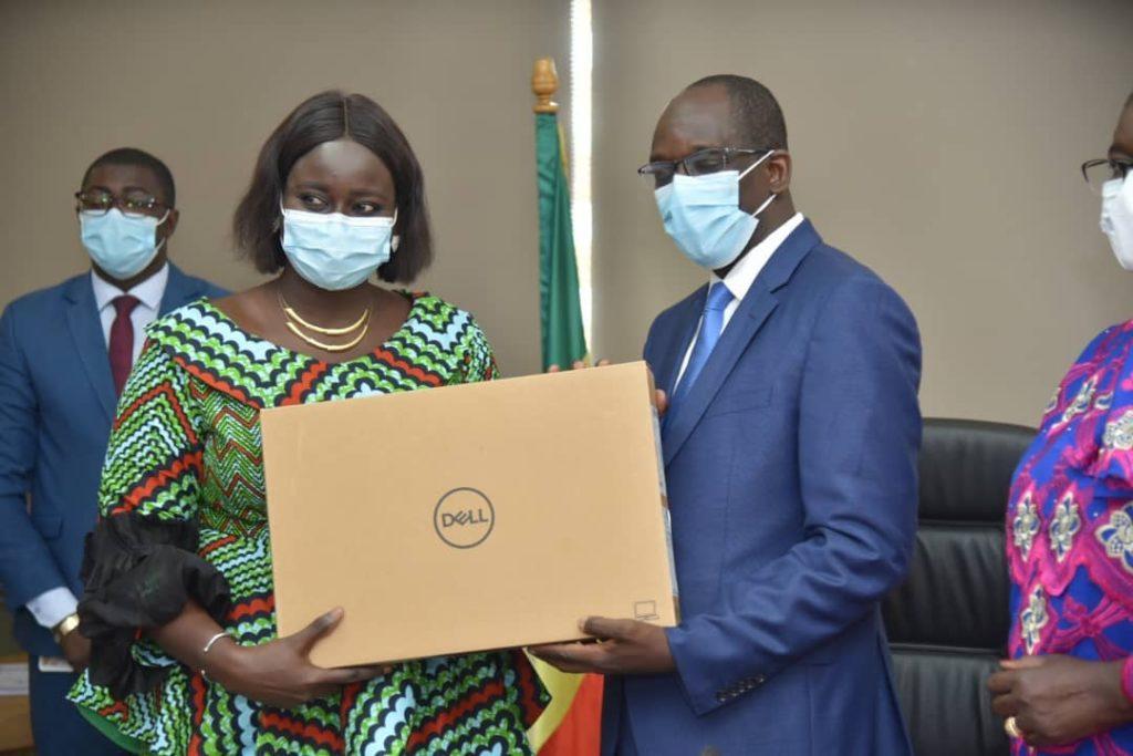 Le Ministère de la Santé fait un  don de matériels informatiques d'une valeur de 115 millions au point focal national du Rsi