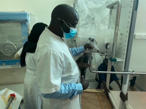 Pr Balla Diop Ngom, ce chercheur sénégalais qui produit de l'énergie avec de la coque d'arachide