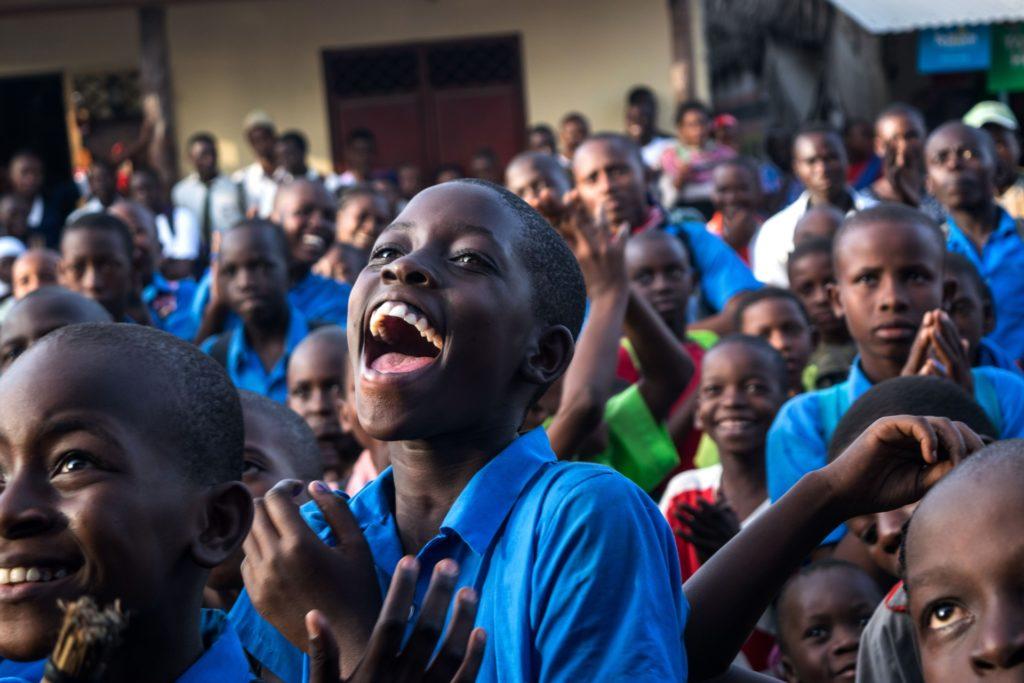 RFI et France 24 lancent la 6e édition du Challenge App Afrique sur «Le numérique au service de l'éducation des enfants»
