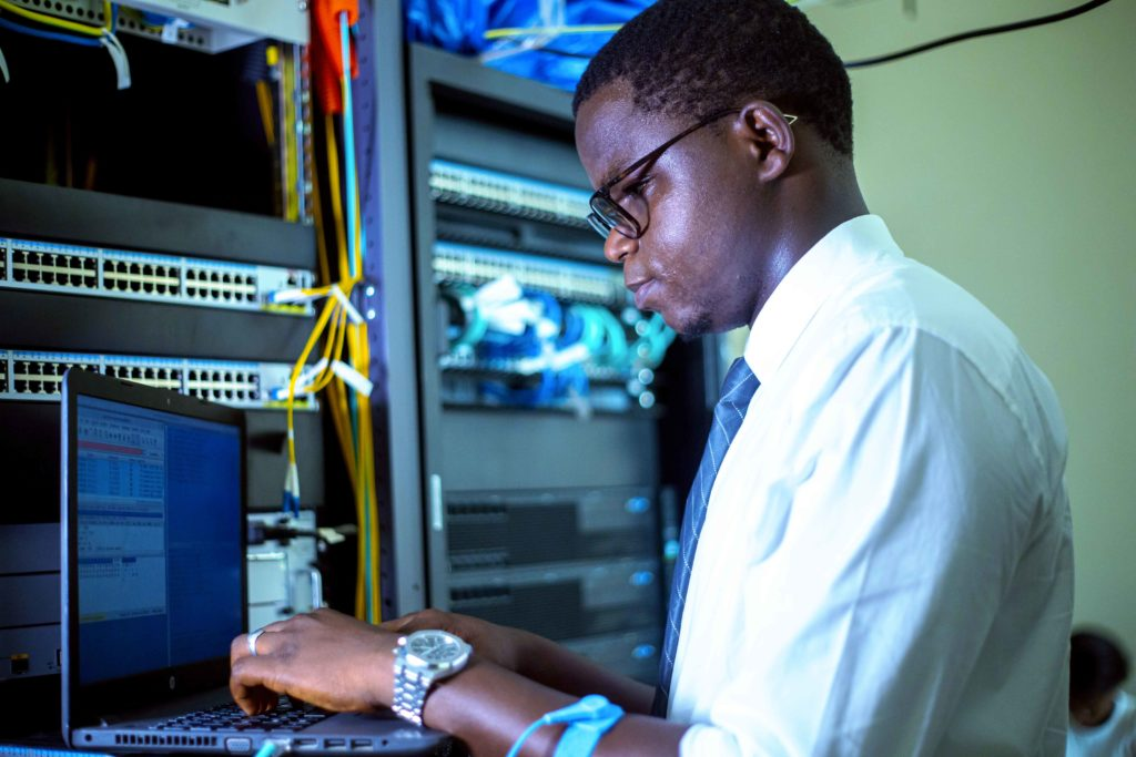 GIM-UEMOA recrute 2 ingénieurs assistants systèmes d'information